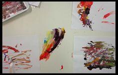 Experimentos com tintas.