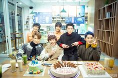 Image uploaded by ᴍʀs. Find images and videos about friends, asian and friendship on We Heart It - the app to get lost in what you love. Meteor Garden Cast, Meteor Garden 2018, Shan Cai, Hua Ze Lei, Garden Shower, Handsome Korean Actors, Meteor Shower, Garden Pictures, Boys Over Flowers