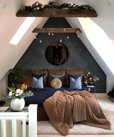 A modern rustic bedroom is one that involves a decor that has to do with a little bit of chic and a little bit of country style. rustikal Contemporary Decor Tips For A Modern Rustic Bedroom - Rustic News Attic Bedroom Designs, Bedroom Loft, Home Decor Bedroom, Bedroom Interiors, Design Bedroom, Bedroom Styles, Attic Bedroom Small, Attic Bedrooms, A Frame Bedroom