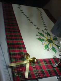 Natale Places To Visit, Gift Wrapping, Gifts, Gift Wrapping Paper, Favors, Gift Packaging, Presents, Gift, Places Worth Visiting