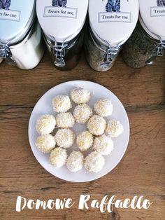 Kilki jaglane raffaello z wiórków kokosowych kulki mocy Healthy Sweets, Healthy Recipes, Healthy Food, Health Fitness, Food And Drink, Treats, Breakfast, Desserts, Trufle