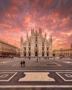 """discoveritaly: """"Splendid picture from @alberto_papagni of the Duomo di Milano. """""""