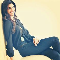 Image shared by Kriti. Find images and videos about bollywood and kriti sanon on We Heart It - the app to get lost in what you love. Bollywood Photos, Bollywood Girls, Bollywood Stars, Bollywood Fashion, Bollywood Actress, Cute Celebrities, Indian Celebrities, Bollywood Celebrities, Celebs