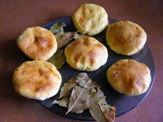 W poszukiwaniu SlowLife: Libum - starożytne serowe placki ofiarne - pieczone na liściach laurowych