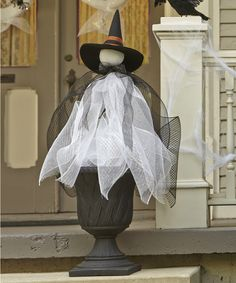 Think I might be able to do this over my Christmas entry tree, just cover the tree with tulle, two for one decor! Halloween 2013, Halloween Projects, Halloween Treats, Halloween Stuff, Holidays Halloween, Halloween Halloween, Halloween Office, Halloween Forum, Whimsical Halloween