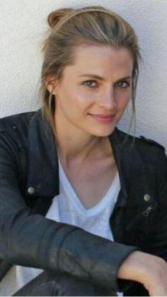 Canadian Actresses, Actors & Actresses, Hottest Female Celebrities, Celebs, Stana Katic Hot, Beauté Blonde, Castle Tv Shows, Yvonne Strahovski, Kate Beckett