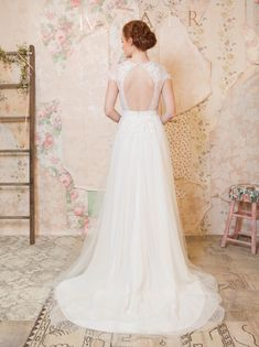 'Through the Flowers' Ivy & Aster's Charming Spring 2016 Bridal Collection