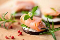 Smoked Salmon with Horseradish Cream | Recipe International