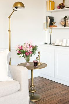 Beautifully styled side table. #splendidspaces
