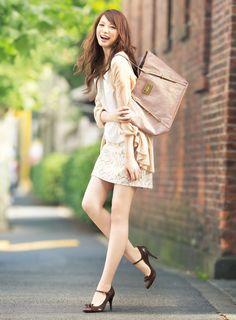 大きめバッグも軽い素材ならおしゃれにキマる♪ | ファッション コーディネート | with online on ウーマンエキサイト