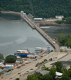 Bagnell Dam, Lake of the Ozarks-My all time favorite place in the world! Lake of the Ozarks & Osage Beach Yolo, Great Places, Places To See, Kansas City Missouri, Osage Beach Missouri, Lake Ozark, Camping Life, Lake Life, Weekend Trips