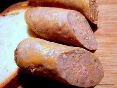 Reteta de crenvursti de casa (polonezi). O reteta simpla de mezeluri de casa, accesibila tuturor. VIDEO cum se fac crenvursti de casa fara chimicale Bosnian Recipes, Cut Recipe, Pastry Cake, Smoking Meat, Charcuterie, Sweet Potato, Sausage, The Cure, Pork