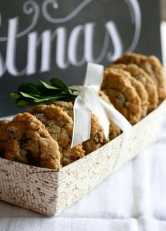 Paper baking cake/bread pans are a great way to package cookies.   www.eabdesigns.typepad.com #cookiepackaging