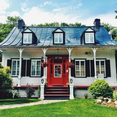 This charming Cottage is in Quebec City, Quebec,Canada Old Quebec, Quebec City, Province Du Canada, New Orleans Homes, Destinations, Of Montreal, She Sheds, Amazing Architecture, Landscape Photos