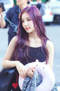 K-Pop Babe Pics – Photos of every single female singer in Korean Pop Music (K-Pop) Extended Play, Kpop Girl Groups, Kpop Girls, Beautiful Asian Girls, Beautiful People, Hunus Entertainment, Kpop Hair, Teen Celebrities, Ethereal Beauty