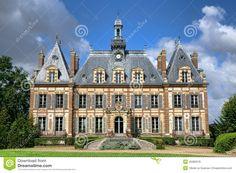 french-renaissance-revival-antique-mansion-castle-luxury-country-built-nineteenth-century-historic-style-nogent-le-roi-45382978.jpg (1300×957)