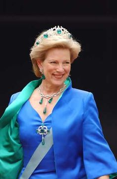 Queen Anne-Marie of Greece, Princess of Denmark.  I love her hair, her outfit, and her jewels in this picture.