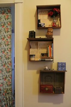 Drawers doubling as shelves. I love creative people. #diy #apartment #decorating