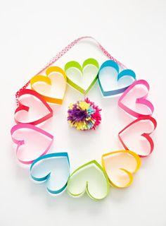 3-rainbow-heart-paper-pom-pom-wreath.jpg (295×400)