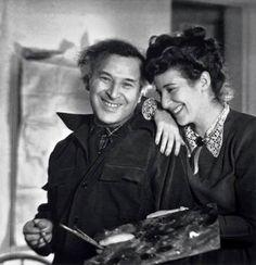 Marc Chagall with his daughter Ida, New York, 1946. ~via Arte Moderna, FB