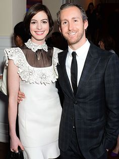 Pregnant Anne Hathaway 'Looks Great and Seems Very Happy' Since Baby News, 'Hasn't Slowed Down at All,' Says Source http://www.people.com/people/article/0,,20970142,00.html