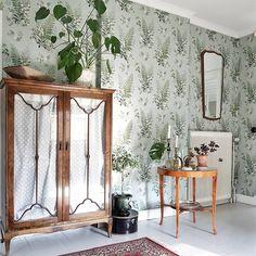 Älskar skåp! Ett av mina favoriter är det vi har i sovrummet,där tv:n håller sig gömd men som räddar våra mornar med barnprogram👌 Oh My Home, My Dream Home, Home Interior, Interior And Exterior, Interior Design, White Floorboards, Scandinavian Home, Awesome Bedrooms, Rustic Furniture