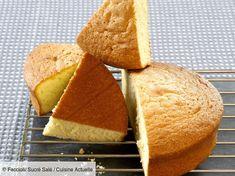 Recette Gâteau de Savoie au micro-onde. Ingrédients (6 personnes) : 3 œufs, 100 g de farine, 100 g de sucre... - Découvrez toutes nos idées de repas et recettes sur Cuisine Actuelle Microwave Chocolate Mug Cake, Nutella Mug Cake, Mug Cake Microwave, Chocolate Mug Cakes, Gluten Free Mug Cake, Vegan Mug Cakes, Mug Cake Healthy, Sponge Cake Easy, Sponge Cake Roll