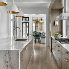 Looking for beautiful modern kitchen ideas for your kitchen designs or kitchen remodel? Here are some gorgeous modern kitchen examples for your inspiration. Modern Kitchen Design, Interior Design Kitchen, Modern Interior, Contemporary Kitchens, Bohemian Interior, Scandinavian Interior, Coastal Interior, Contemporary Bedroom, Luxury Interior
