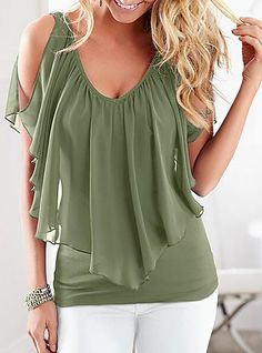 47 Plus Size Blouses To Copy Right Now 2019 - Fashion Moda 2019 Chiffon Shirt, Chiffon Tops, Chiffon Ruffle, Ruffle Blouse, Chic Outfits, Fashion Outfits, Fashion Blouses, Fashion Trends, Fitness Video