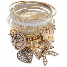 This gorgeous mish mash gold bangle pack matches a numerous amount of outfits with a classy look. The Bangles, Gold Bangles, Fashion Accessories, Fashion Jewelry, How To Look Classy, Diamond Are A Girls Best Friend, Passion For Fashion, Jewelery, Mish Mash