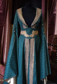 An #elven dress designed by #DressArtMystery Learn more about our costumes…