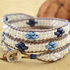 You should wrap each of your absolutely adore in her presence wrists and forearms by using one of our great impressed wristbands. Bracelet En Cuir Diy, Bracelets Wrap En Cuir, Leather Bracelet Tutorial, Beaded Wrap Bracelets, Beaded Jewelry, Crochet Bracelet, Super Duo, Diy Jewelry Parts, Beaded Leather Wraps