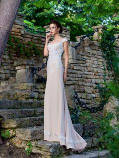 Priliehavé svadobné šaty s krajkovaným zvrškom