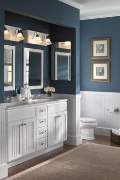 Pull A Switcheroo     In small spaces, like a bathroom, a color palette change will immediately transform the space. Switching out bath linens regularly can be a fun way to introduce new patterns and colors in to your design scheme.