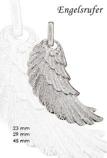 Colgante de plata de la firma Engelsrufer con motivo de ala de ángel disponible en tres tamaños diferentes. Usualmente se lleva conjunto en la cadena al llamador de ángel de plata disponible en varios colores, llevando los dos colgantes que hacen la composición angelical.