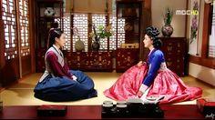 Dong Yi(Hangul:동이;hanja:同伊) is a 2010 South Korean historical television drama series, starringHan Hyo-joo,Ji Jin-hee,Lee So-yeonand Bae Soo-bin.About the love story betweenKing Sukjong, it aired onMBC.  설희 역 김혜진