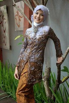 model kebaya muslim Model Kebaya Muslim, Model Kebaya Modern, Turban, Wedding Hijab, Wedding Dresses, Javanese Wedding, Moslem, Antara, Traditional Dresses