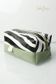 "Kosmetiktasche ""Zebra"", Kulturtasche, vegan // cosmetic bag ""zebra"", make up bag, wash bag, large, vegan von byJadaDesigns auf Etsy"