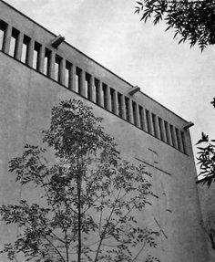 Detalle de la fachada oriente, Capilla del Seminario Mayor de México, Guadalupe Victoria 21, Tlalpan, México DF 1955  Arqs. José Luis Benlliure y José Cano Vallado -  Detail of the east facade, Chapel of the Seminario Mayor de Mexico, Tlalpan, Mexico CIty 1955