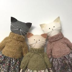 Now in my shop www. Pets, Home & Garden: Ideal toys for small cats Organic Cotton knit kitty dolls, I love their cozy sweaters! How sweet - cats in jumpers Kitty Dolls created by Lucky Juju on Etsy Link to 5 Adorable Etsy Animal Softie Friends. How To Ma Softies, Modern Kids Toys, Tilda Toy, Ideal Toys, Fabric Animals, Fabric Toys, Fabric Crafts, Cat Doll, Sewing Dolls