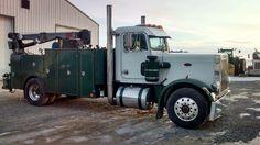 Peterbilt 359 Service Truck Peterbilt 359, Peterbilt Trucks, Chevy Trucks, Welding Trucks, Welding Rigs, Highway Maintenance, Welding Services, Truck Mechanic, Shop Truck