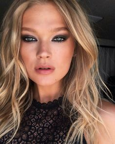 Gorgeous Vita Sidorkina with blonde hair waves and smoky eyes inspiration.