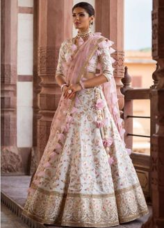 Buy online Lehenga - Ethnic party wear women's white silk semi stiched embroidered lehenga choli with unstitched blouse from Bollywood Kart Dresses To Wear To A Wedding, Indian Wedding Outfits, Bridal Outfits, Indian Outfits, Bridal Dresses, Designer Bridal Lehenga, Indian Bridal Lehenga, Lehenga Wedding, Lehanga Bridal