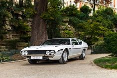 Looking for the Lamborghini Espada of your dreams? There are currently 10 Lamborghini Espada cars as well as thousands of other iconic classic and collectors cars for sale on Classic Driver. Lamborghini Espada, Lamborghini Cars, Muscle Cars Vintage, Vintage Cars, Jaguar, Peugeot, Benz, Ferrari, Car Gif