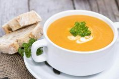 Kürbiscremesuppe – basisch Here you will find a delicious basic pumpkin cream soup. The high content of beta carotene in the pumpkin contributes to a good vitamin A supply of the body and thus provides u. also for healthy skin and mucous membranes. Best Pumpkin Soup Recipe, Cream Of Pumpkin Soup, Pumpkin Recipes, Fall Recipes, Spiced Pumpkin, Pumkin Soup, Pumpkin Pumpkin, Crock Pot Recipes, Wine Recipes