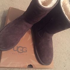 """UGG Australia dark brown """"pierce"""" fur boots size 8 Size 8 Uggs style """"w pierce"""". Dark brown chestnut color. Authentic, with box. Offers welcome UGG Shoes Winter & Rain Boots"""