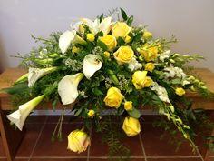 Yellow&white_casket_spray