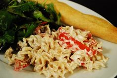 Roasted Red Pepper Pasta Alfredo (Add chicken, substitute green or yellow peppers for yucky mushrooms)