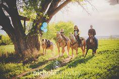 gender reveal photo session, horses, cowboy, pregnancy announcement photo