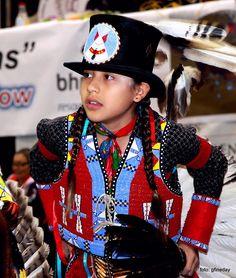 My friend Ruben Littlehead Jr. Native American Children, Native American Regalia, Native American Beauty, Native American Beadwork, American Indian Art, Native American History, Native Beadwork, Native Style, Native Art